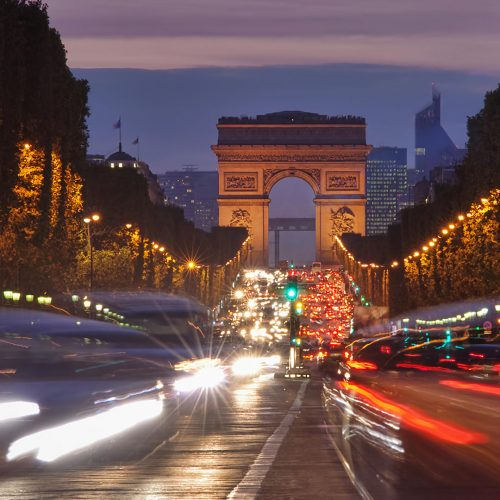 Champs-Elysees traffic at night / Photo credits: ohny007pandp / 2010 / Source: depositphotos.com, ©2019