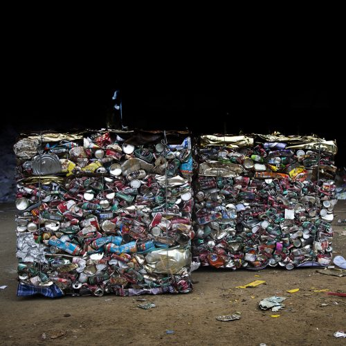 Nakornrajsima Thailand, photo group of compress aluminum can in recycle factory / Photo credits: yanukit / 2017/ Source: depositphotos.com, ©2019
