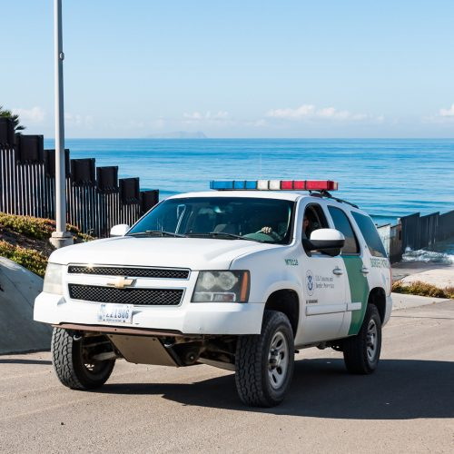 A Border Patrol vehicle patrols the international border wall near / Photo credits: SherryVSmith / 2018 / Source: depositphotos.com, ©2019
