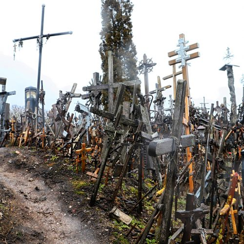 The Hill Of Crosses in northern Lithuania / Photo credits: keleny / 2018 / Source: depositphotos.com, ©2019