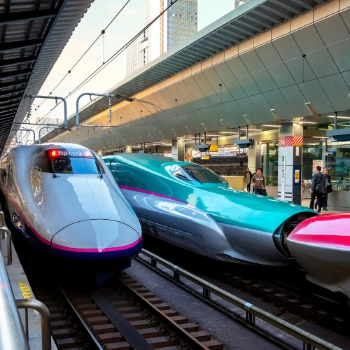 Japanese Shinkansen high speed train Hayabusa (left) and Komachi (right) join together travel up north east of Japan from Tokyo / Photo credits: cowardlion / 2018 / Source: depositphotos.com, ©2019