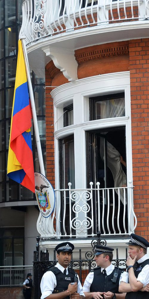 The balcony that Julian Assange made his protest speech at Ecuadorian Embassy London August 19th, 2012 in London, England / Photo credits: harveysart / 2012 / Source: depositphotos.com, ©2019