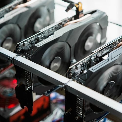 Computer with graphic cards for bitcoin mining / Photo credits: Scharfsinn / 2016 / Source: depositphotos.com, ©2019